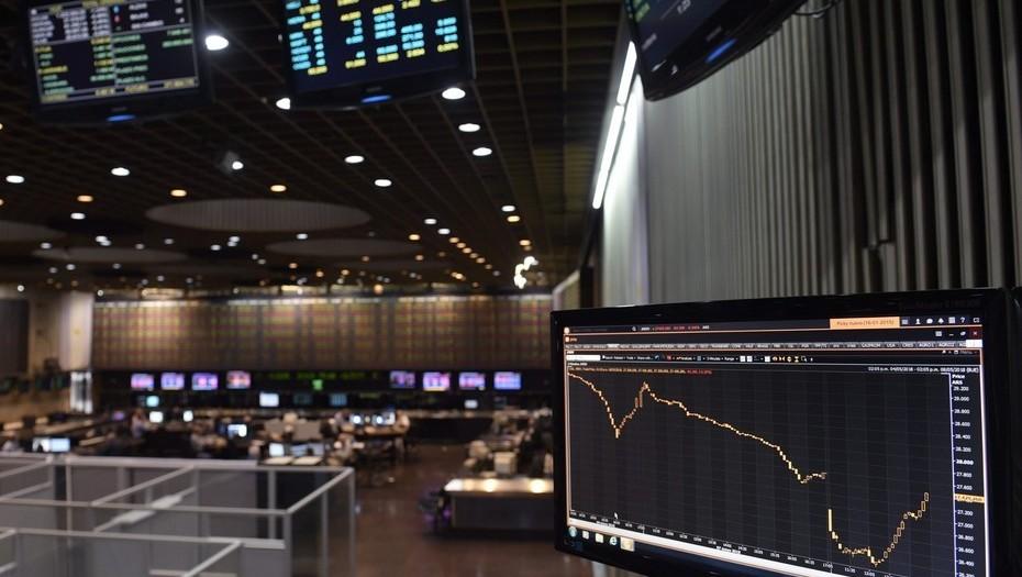 Las acciones fueron la mejor inversión de julio y le ganaron al dólar   Garantia Plus