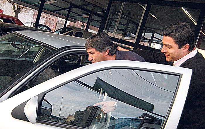 Concesionarias de autos usados mantienen sus ventas a cambio de resignar rentabilidad | Garantia Plus