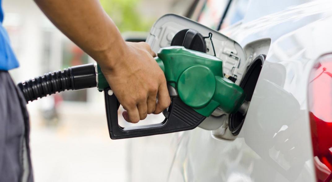 Inflación naftera: la industria petrolera planea subir el precio todos los meses hasta fin de año | Garantia Plus