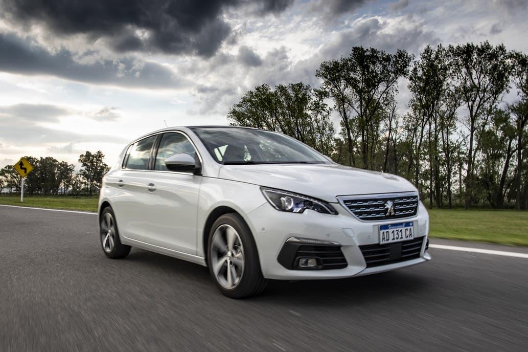 Test drive: Peugeot 308 S Allure Plus, tan veloz como eficiente y racional | Garantia Plus
