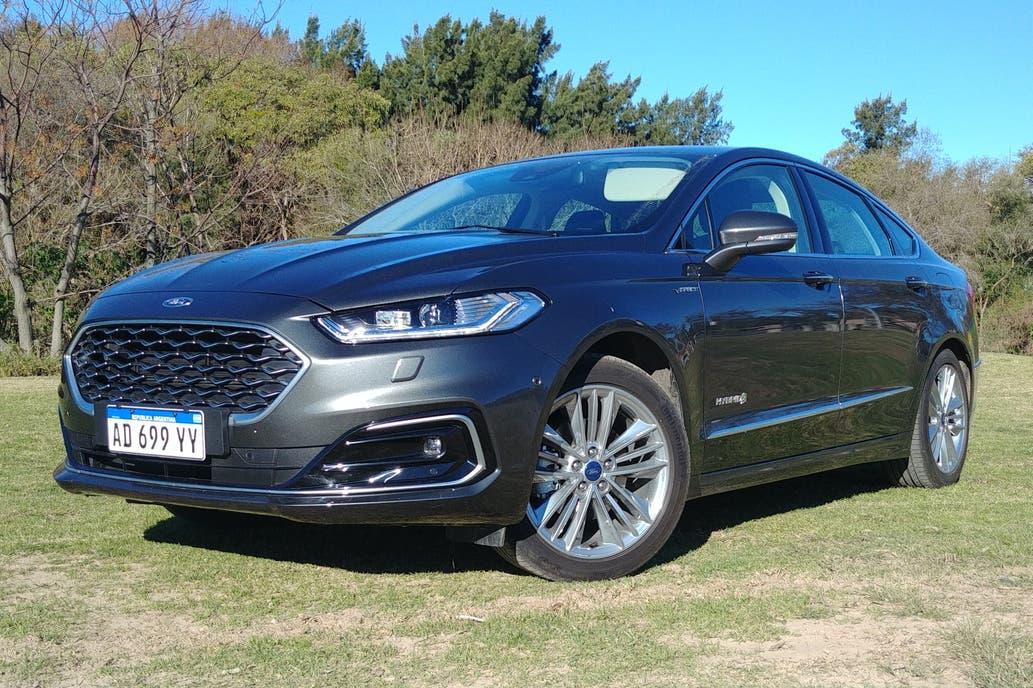 Test drive: Ford Mondeo Vignale Hybrid, lujoso y con espíritu verde | Garantia Plus