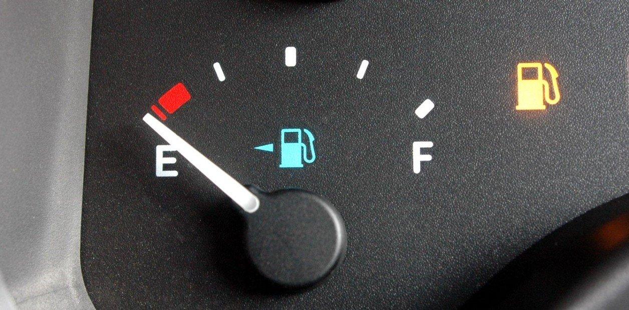 Cuáles son los riesgos de andar con el tanque en reserva | Garantia Plus