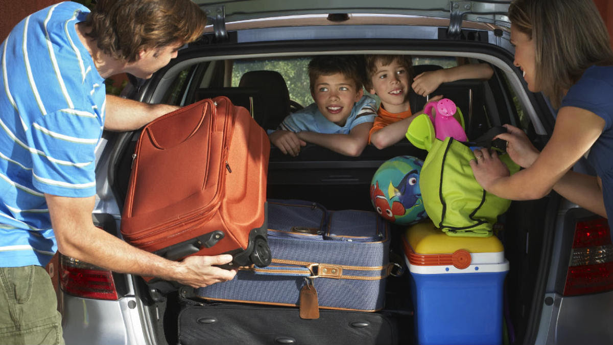 ¿Por qué es peligroso llevar objetos sueltos en el auto?   Garantia Plus