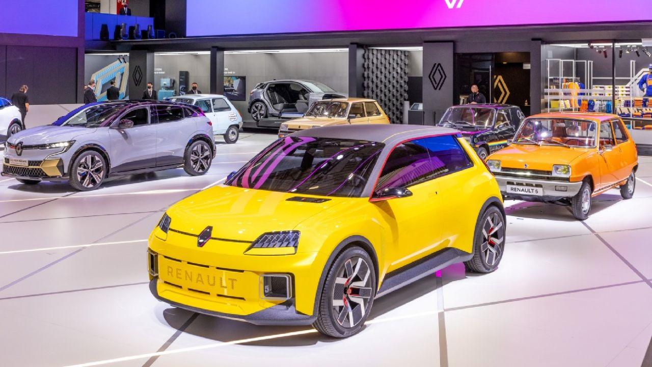 El nuevo Renault 5 es presentado junto a sus antecesores | Garantia Plus